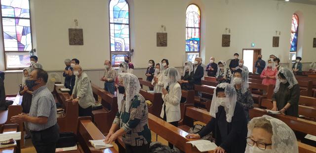 ▲ 천주교 춘천교구 죽림동 성당은 20일 성당에서 '홍기선 히지노 신부와 함께하는 100주년 미사'를 가졌다.