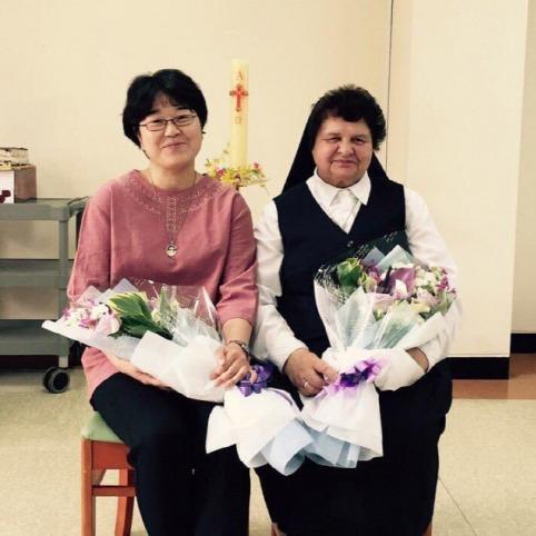 ▲ '성골롬반의 집' 1·2대 원장인 노라 와이즈맨(오른쪽) 수녀와 이애리사 수녀.