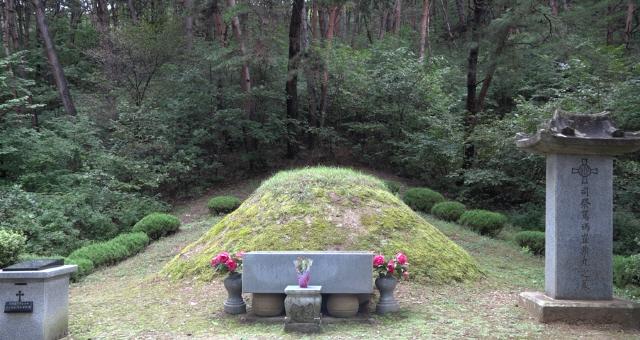 ▲ 천주교 원주교구 배론성지에 있는 최양업 신부 묘소.